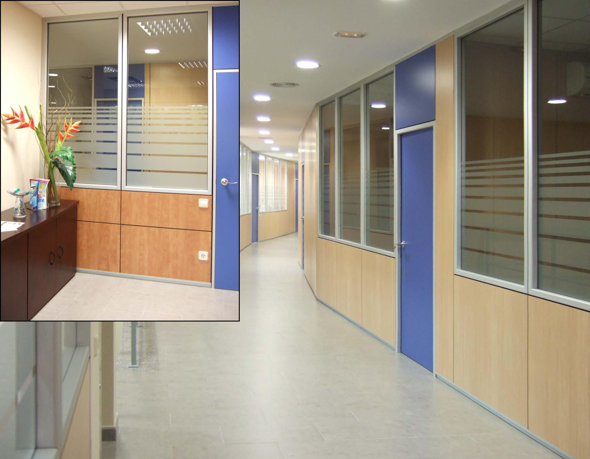 Mamparas y Divisiones para Oficinas de vidrio con vinilos en Barcelona