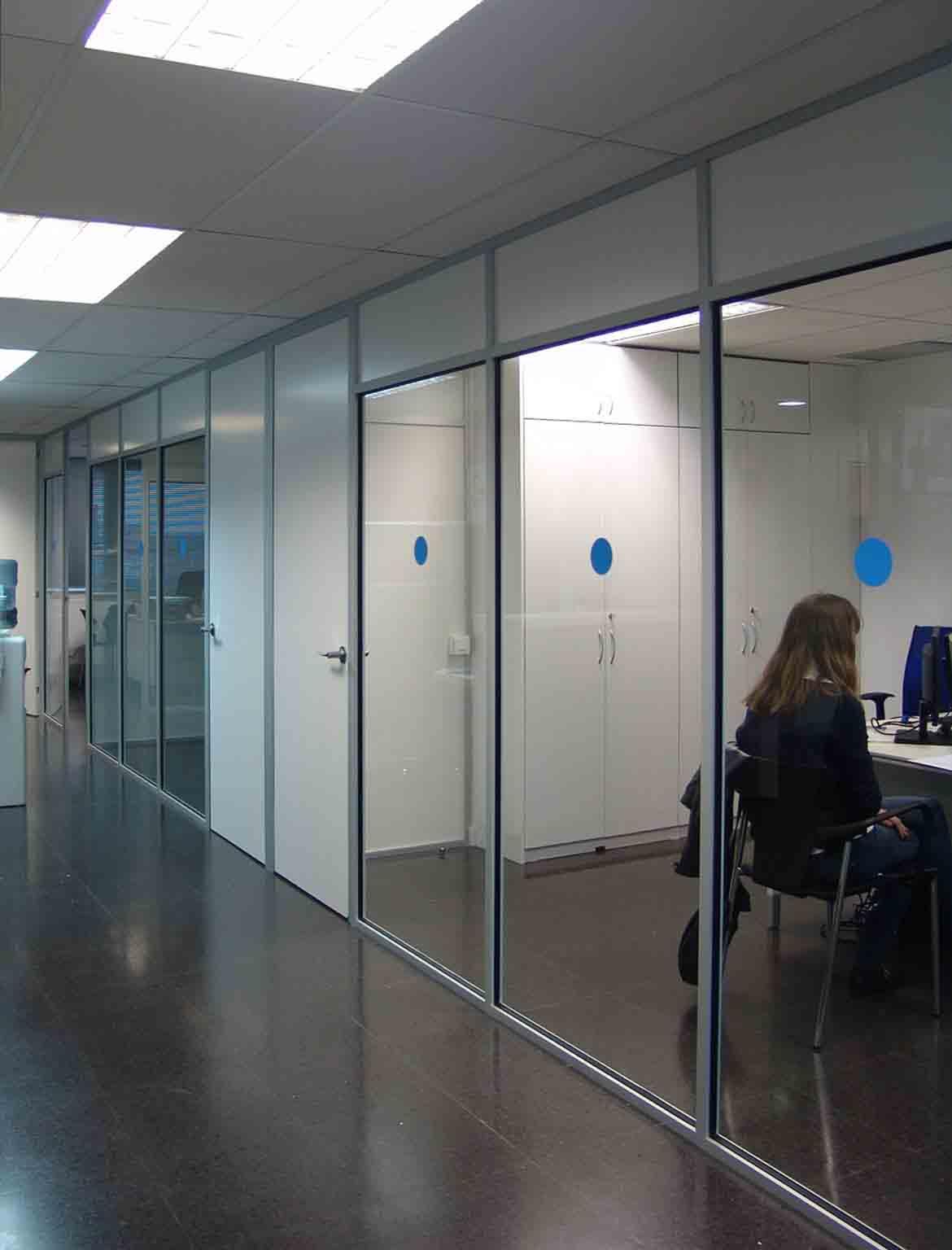 Mamparas y divisiones de oficinas Symple en Barcelona 3